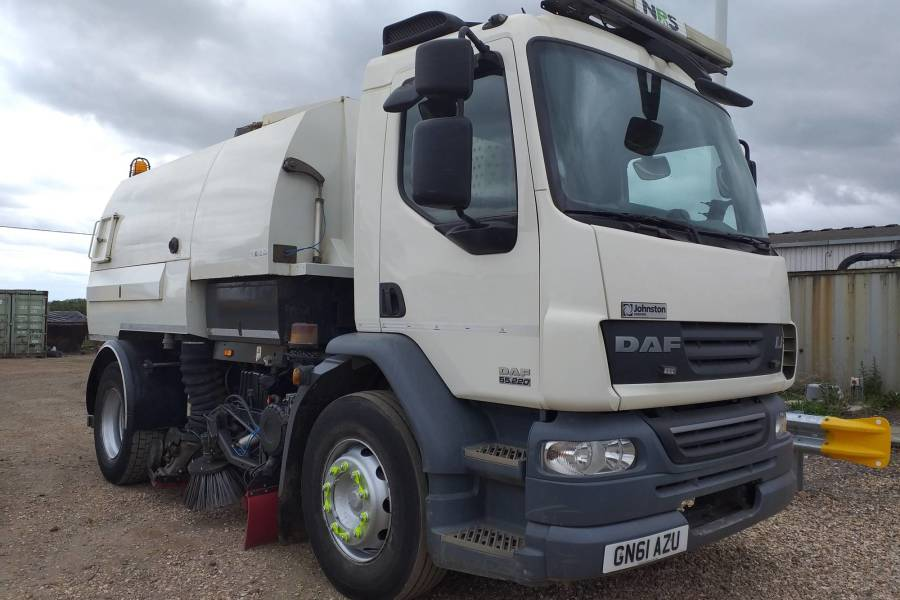 DAF LF 55 JOHNSTON VT650 for hire from National Road Sweepers