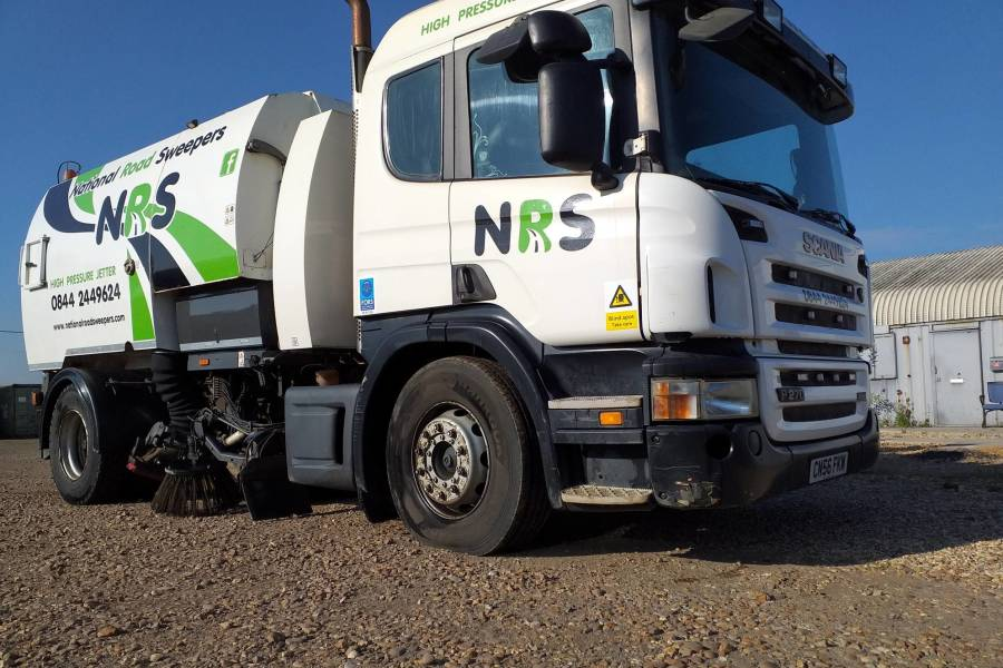 SCANIA P270 JOHNSTON VT800 for hire from National Road Sweepers