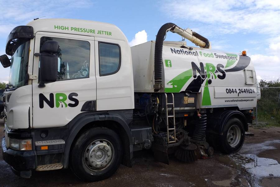 SCANIA P230 JOHNSTON VT650 for hire from National Road Sweepers